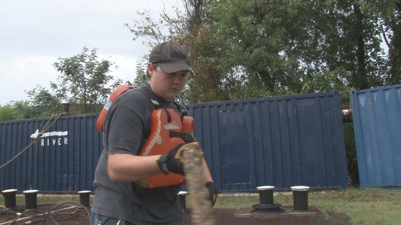 River boat deckhands in high demand, getting the job