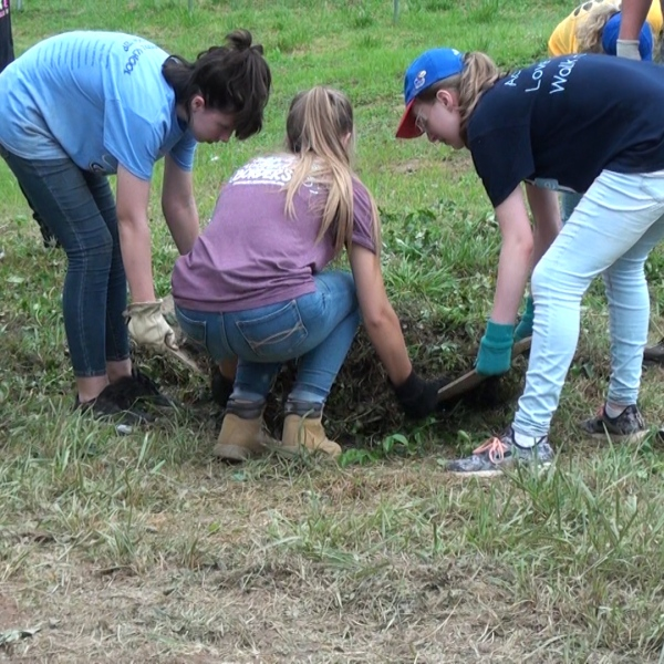 Kansas volunteers in Clendenin