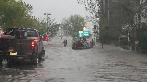 Cajun_Navy_rescues_people_stranded_in_Ne_0_20180914151656-842137438