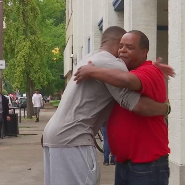 Marshall football player lends a hand to homeless