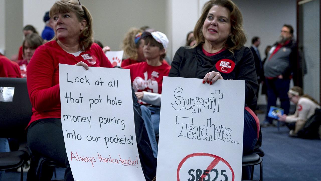 Teacher Protest-Kentucky_1551373829480