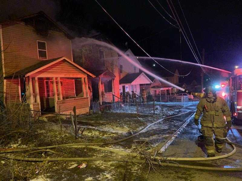 Friday Huntington Fire_1549017073479.jpg.jpg