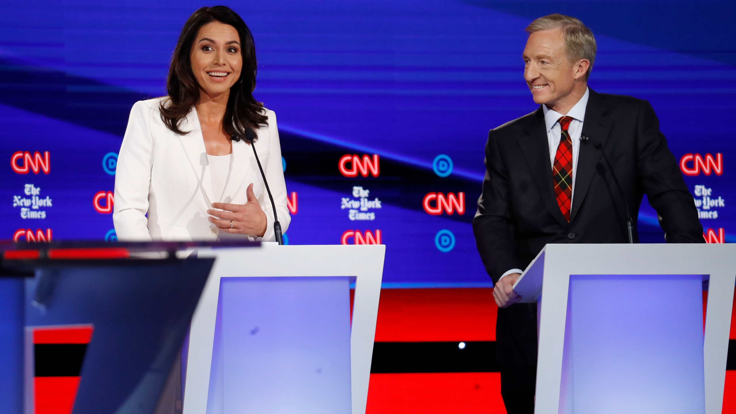 Tulsi Gabbard, Tom Steyer
