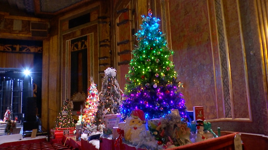 Volunteering In Ashland Oregon Christmas Day 2021 Festival Of Trees And Trains Tradition Stays Alive Wowk 13 News