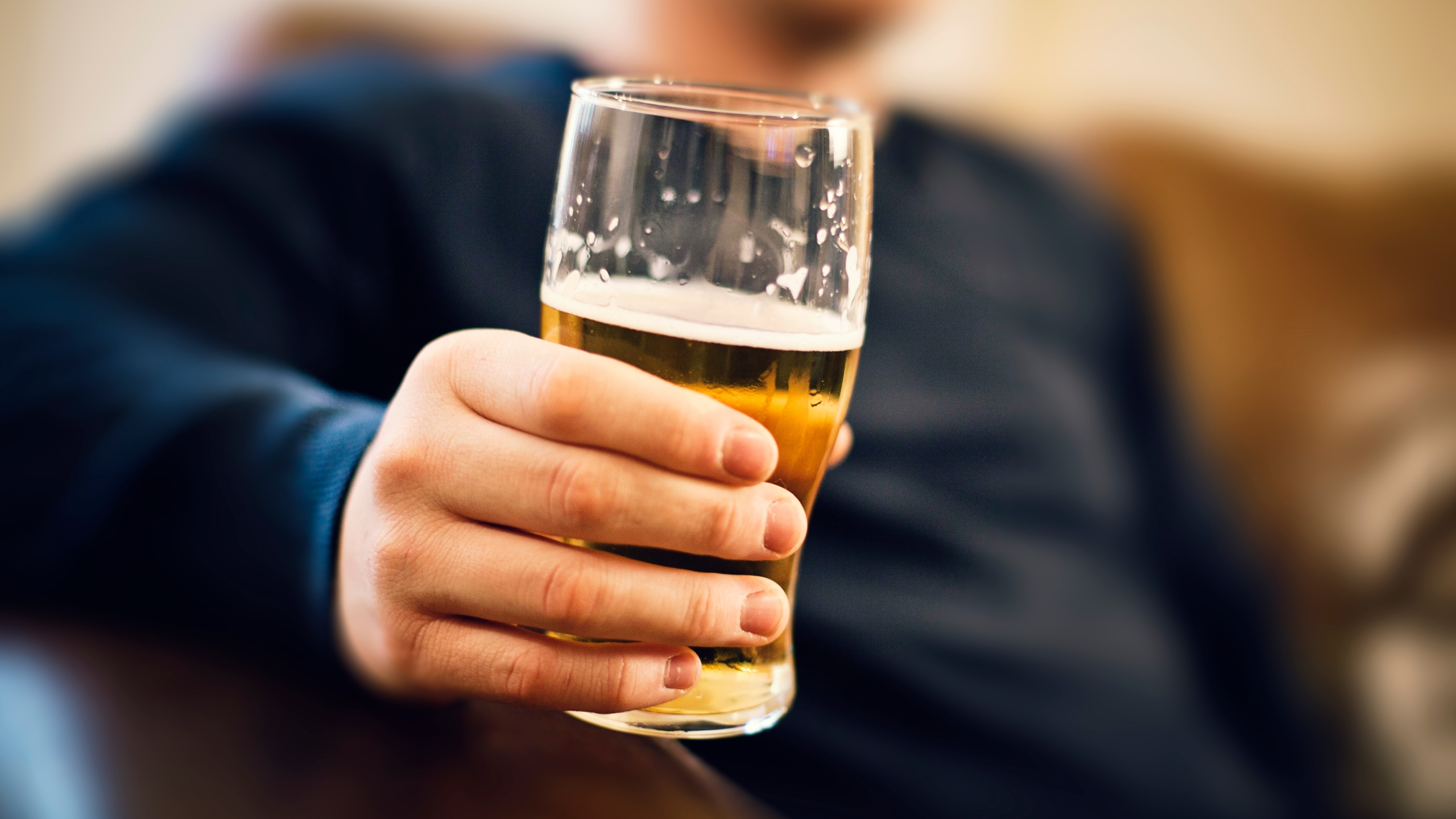 Today Is National Beer Day Here S How Much People Drink In A Week Wowk 13 News